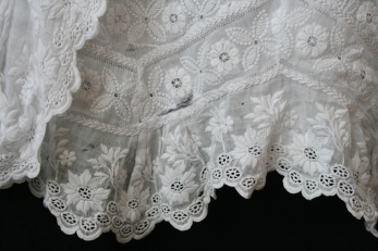 Antique lace close up www.buckinghamvintage.co.uk